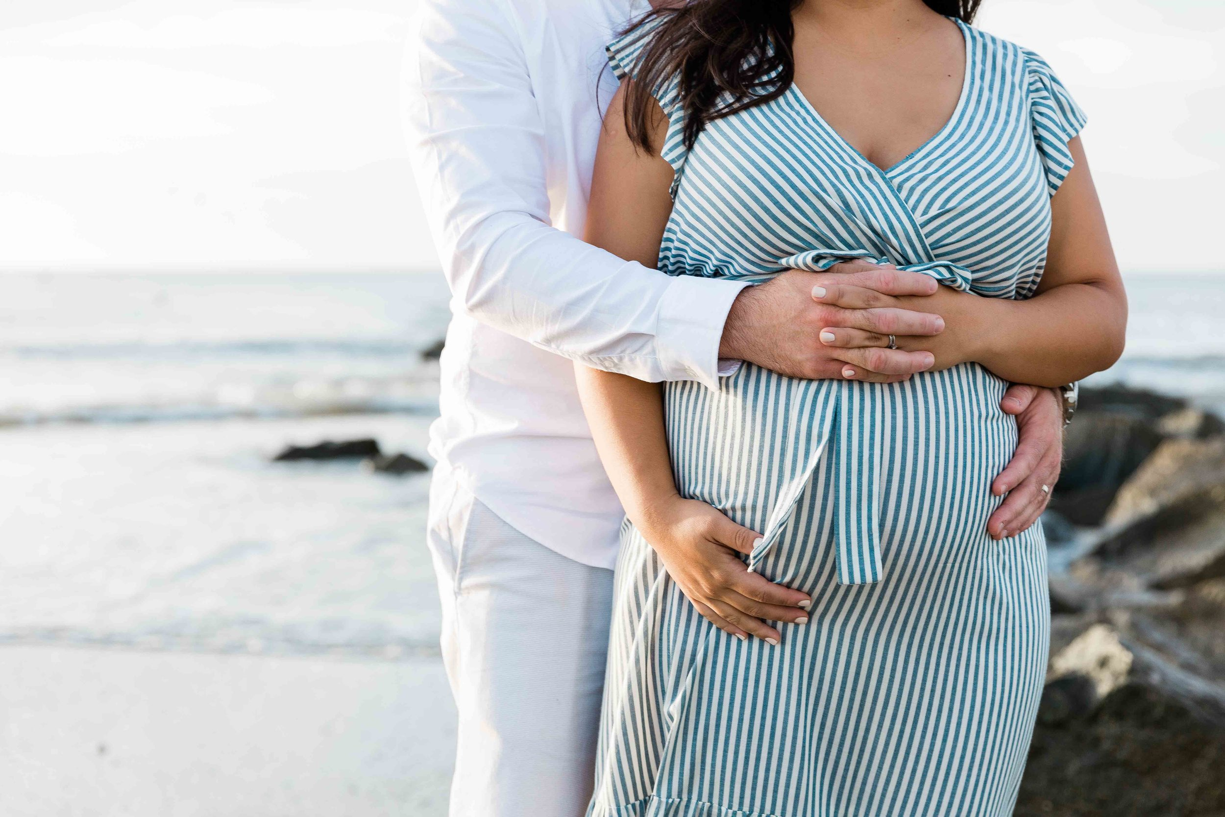 AJ0A7027Tybee Island and Pulaski Square Maternity Session05.jpg