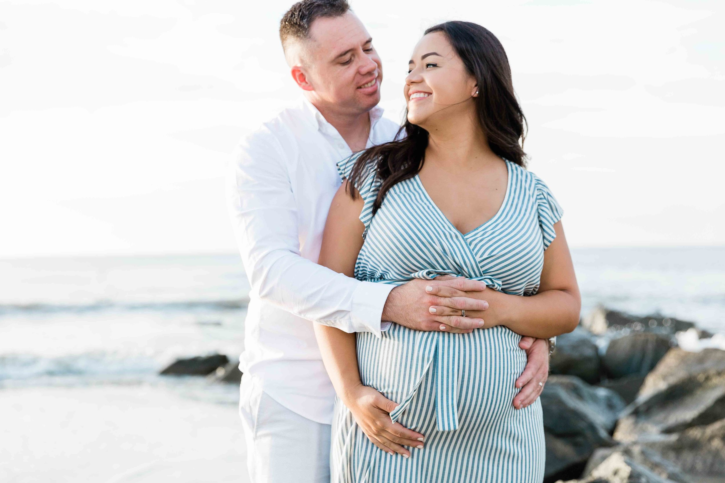 AJ0A7033Tybee Island and Pulaski Square Maternity Session06.jpg