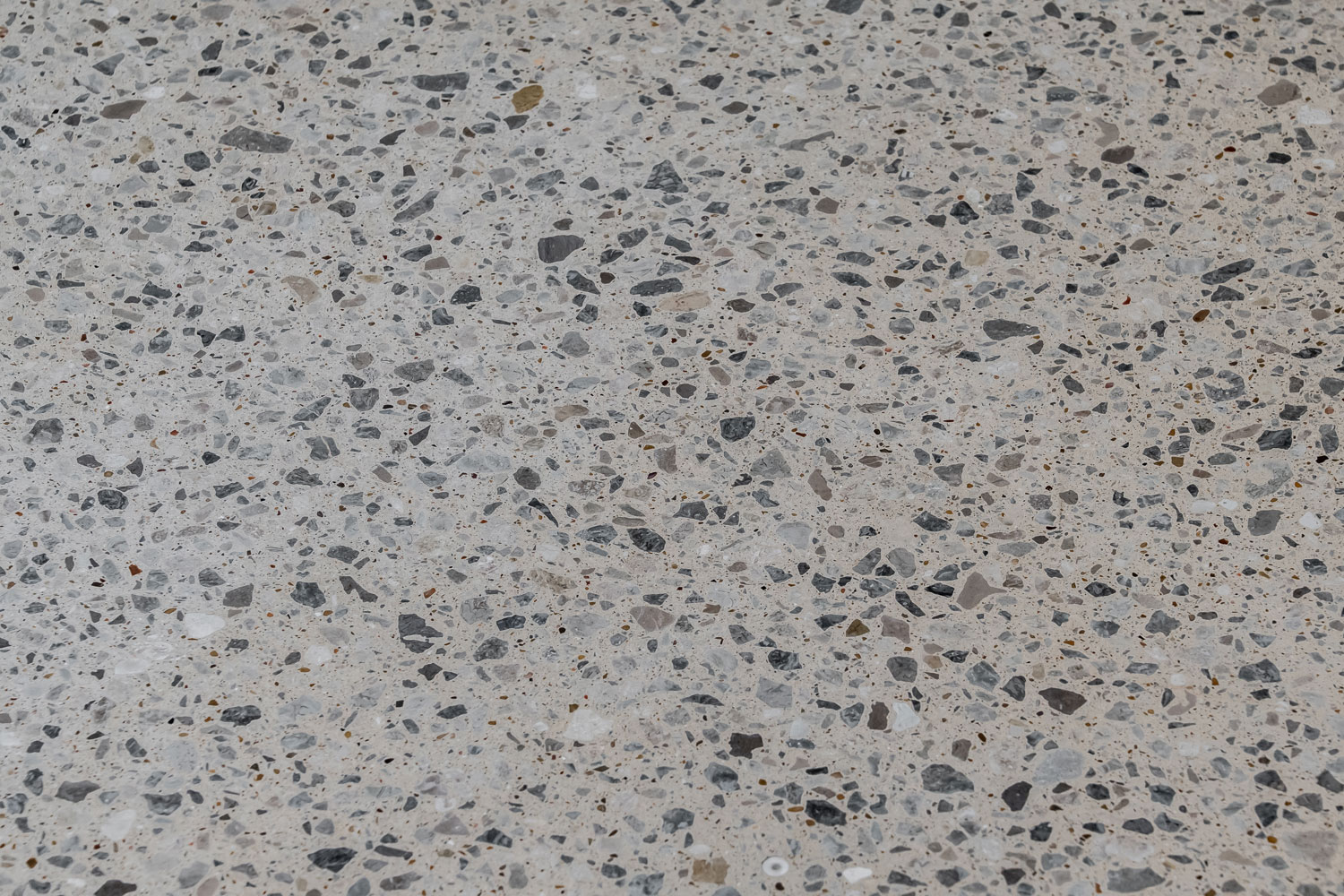 Large-aggregate-Polished-Concrete-Floor2.jpg