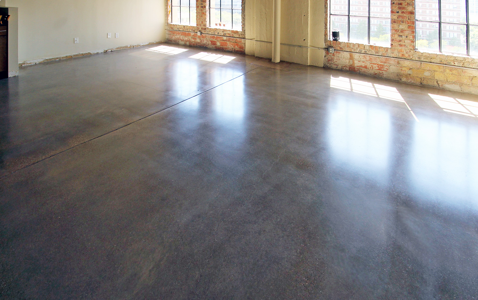 loft apartment polished concrete floor2.jpg