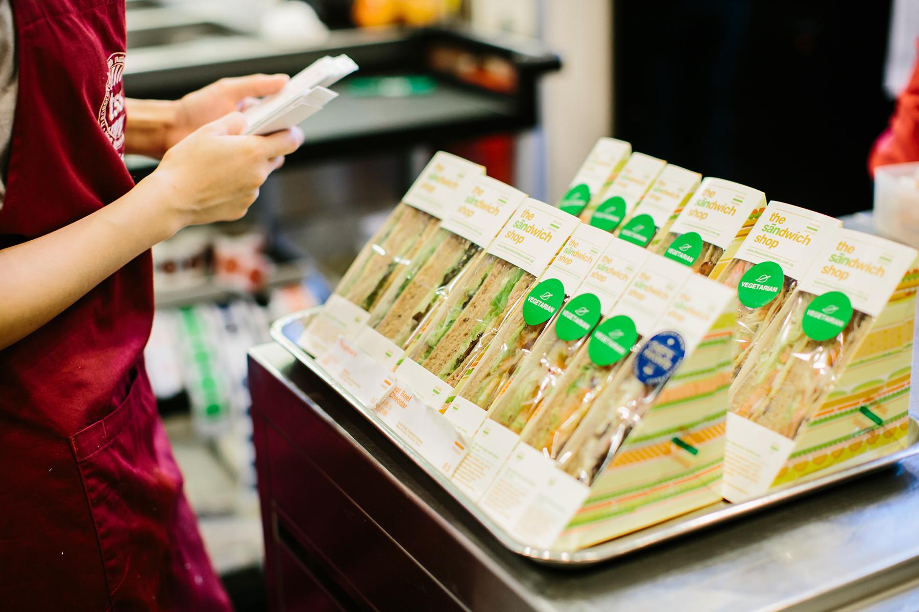 the sandwich shop_05.jpg