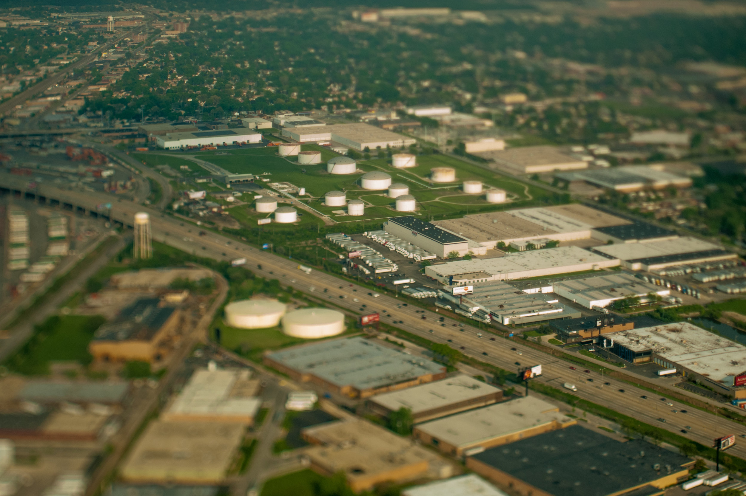 city_gas storage_industry_warehouse_highway_chicago_LMS.jpg