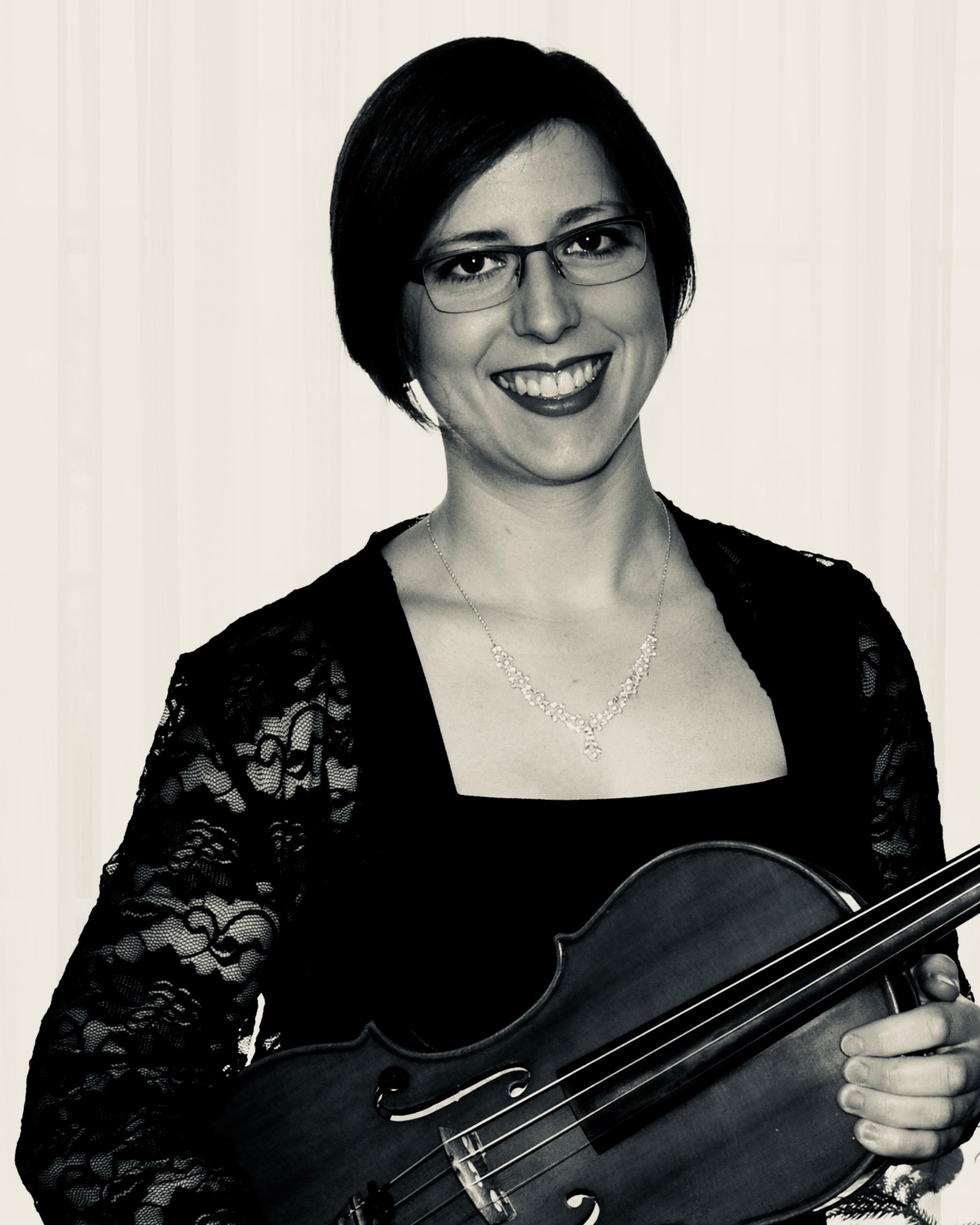 Jeanette Comeau viola.jpg