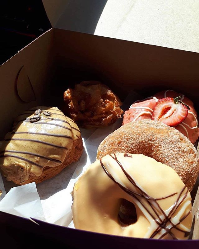 Moms loves donuts... just saying 😘 Menu is up at ratiocoffee.ca . Thanks for the 📸 @smoakinoak . . . . . . . . . . . #ratiovernon #vernonbc #coffee #cafe #latteart #espresso #coffeetime #exploreokanagan #explorevernonbc #downtownvernonbc #explore #pnw #love #thatsprettyvernon #vernonnow