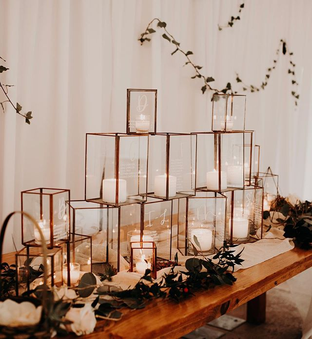 if I had a dime for every minute I spend cleaning these terrariums & prepping for the next wedding I could probably quit my day job. maybe not...but it's always worth the results in the end 🤩✨ [📸: @kayceshoffner]