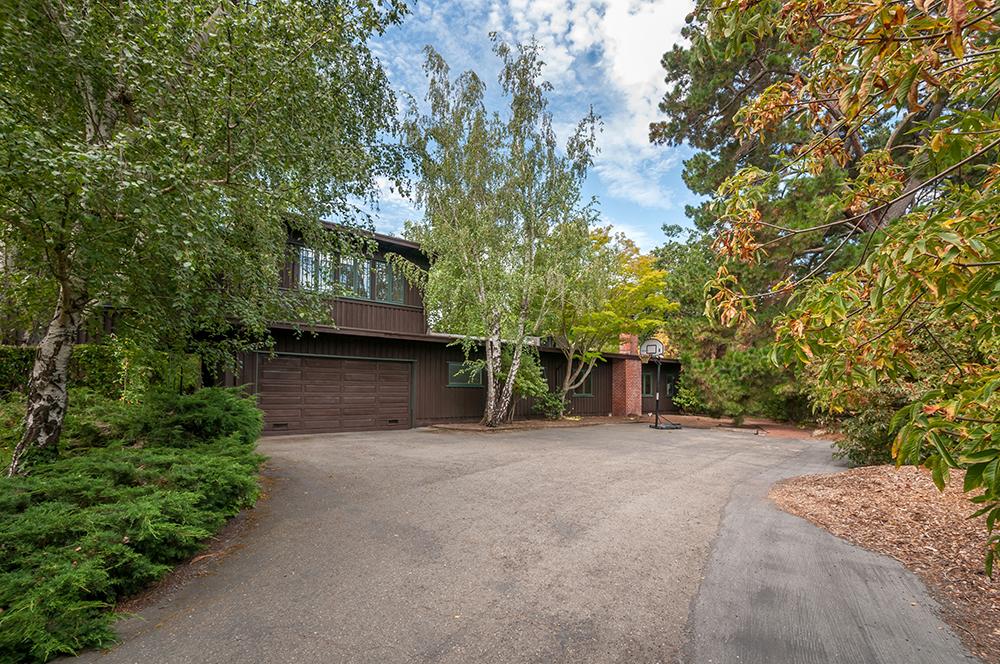 490 Walsh Road, Atherton, CA | $6,000,000