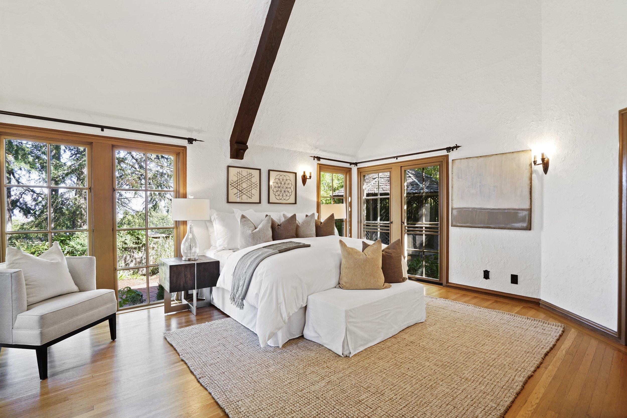 11 Master Bedroom.jpg