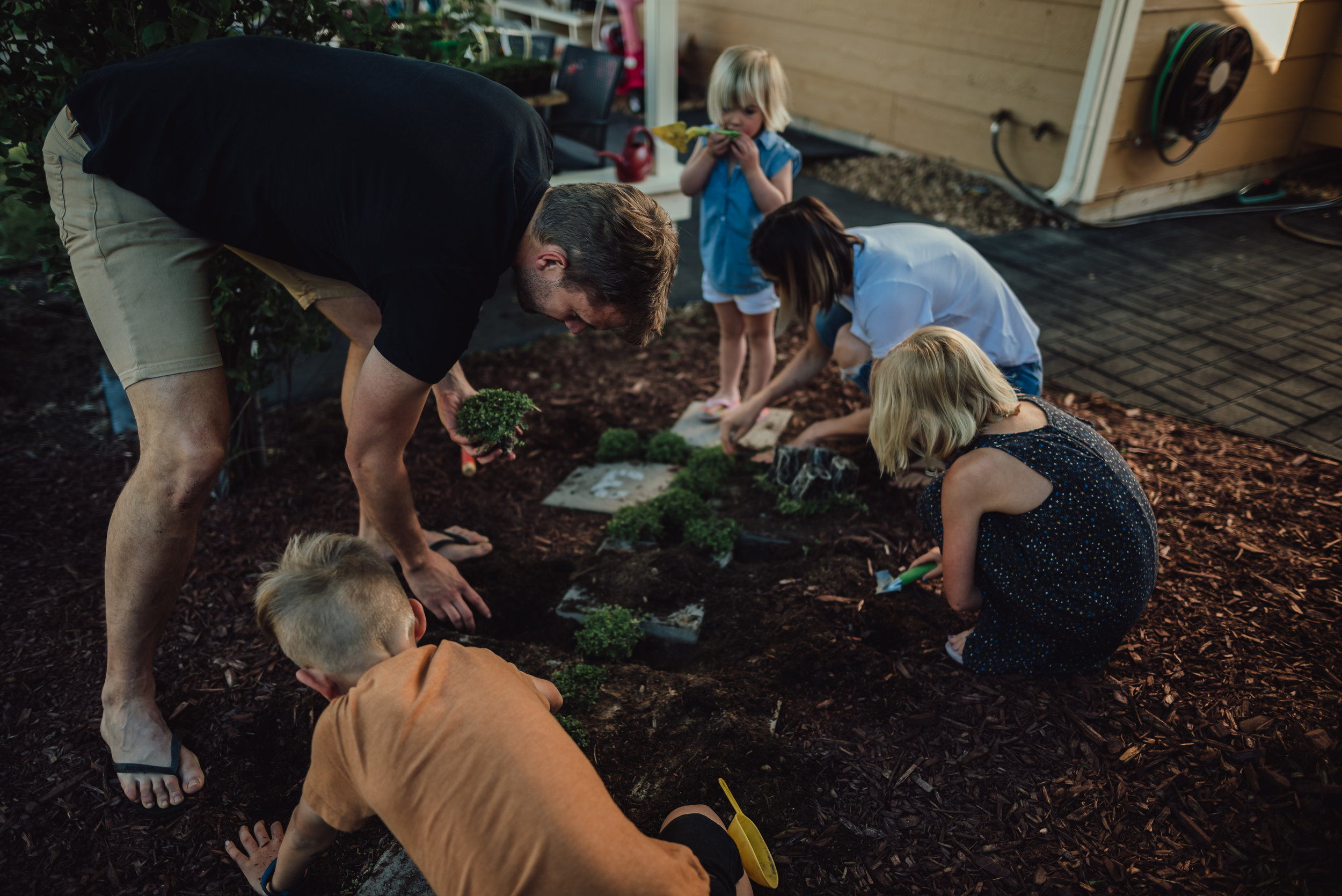colorado springs family lifestyle gardening photography-35.jpg