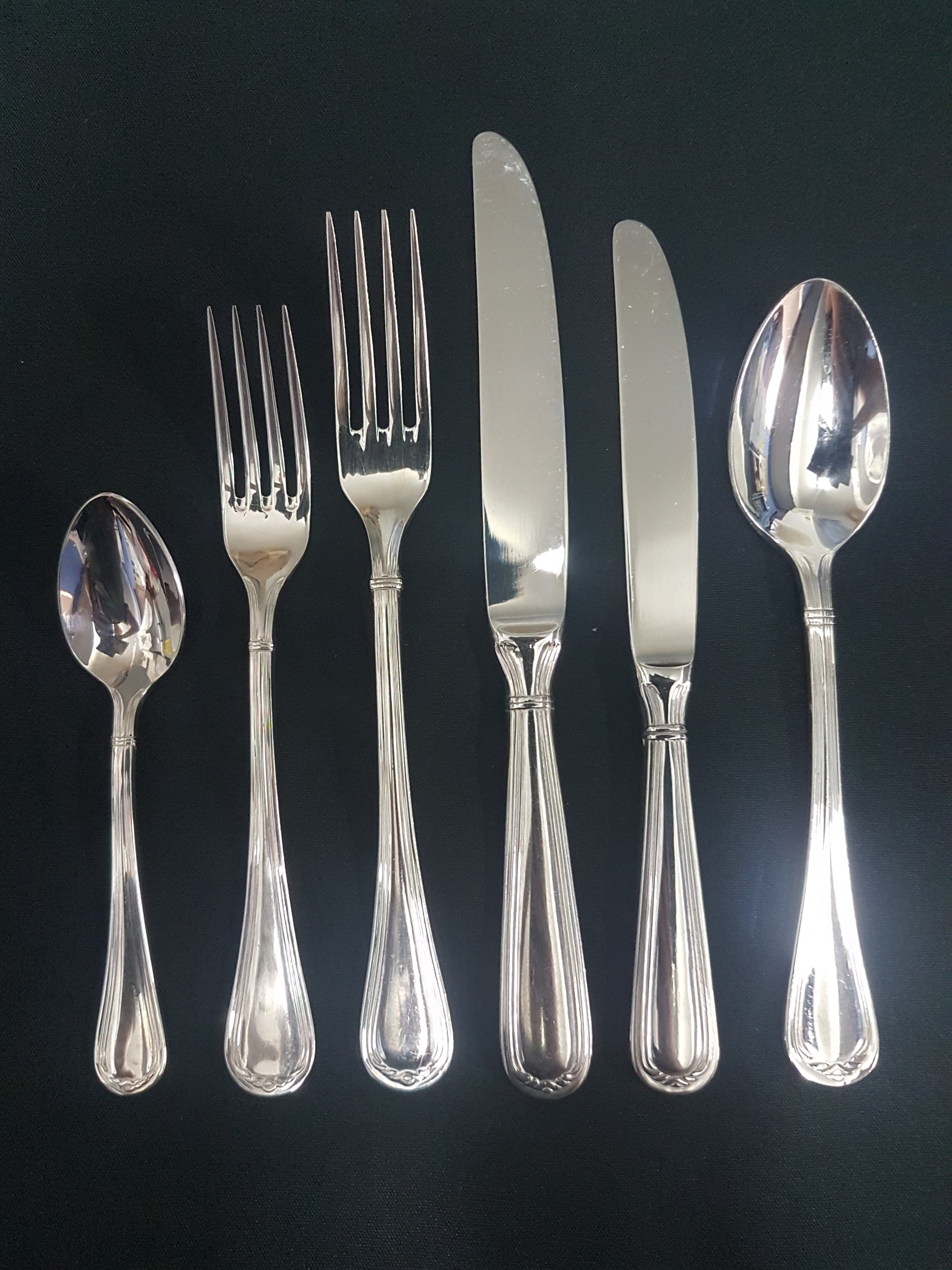 silver cutlery range - Teaspoon .66c eaEntree Fork .66c eaDinner Fork .66c eaDinner Knife .66c eaDessert Spoon .66c eaNo minimum amounts required for an order.Limited stock of the Silver Range.