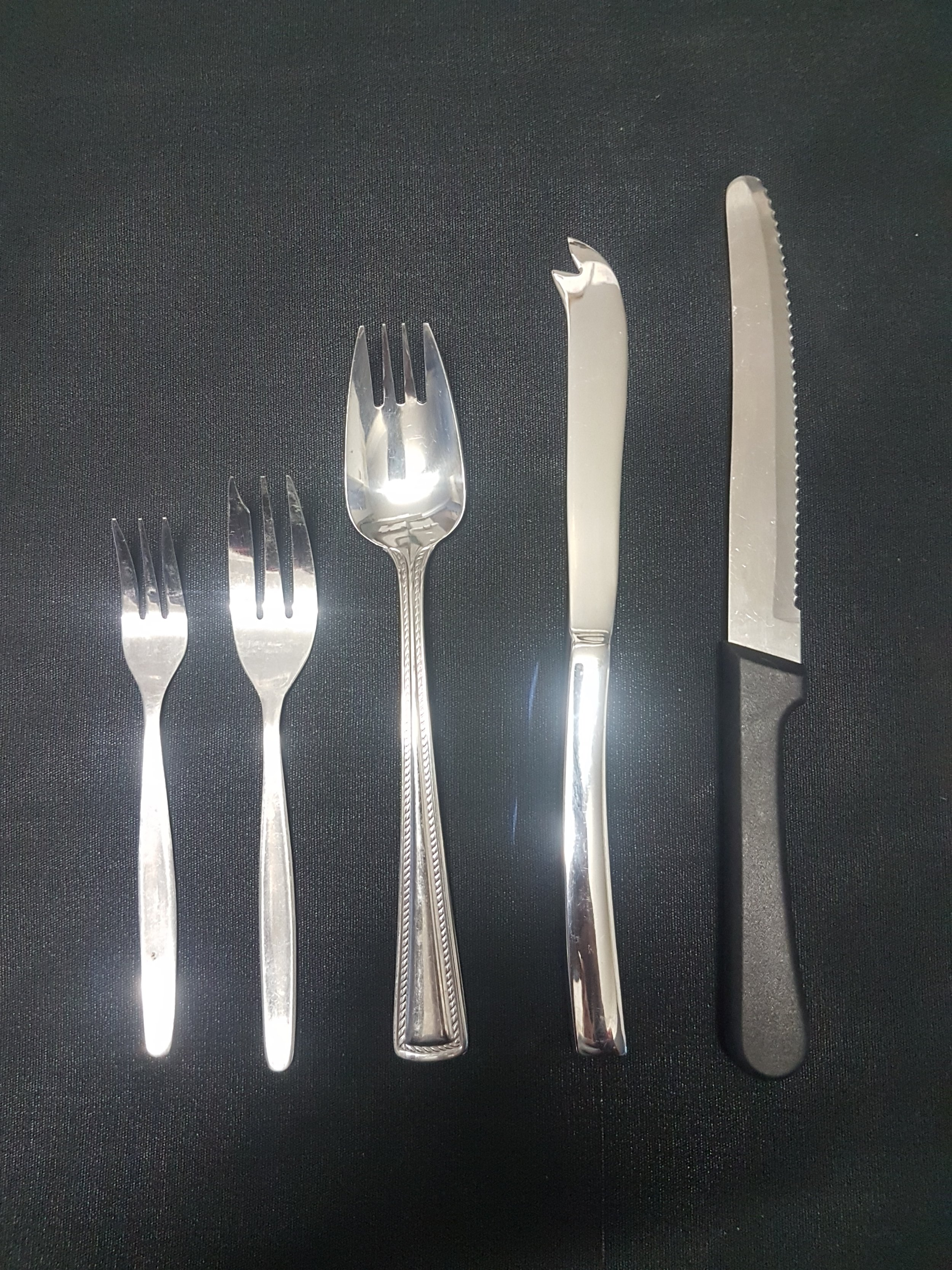 - Oyster fork .44c eaSmall cake fork .39c eaLarge cake fork .44c eaCheese knife .55c eaSteak knife .44c ea