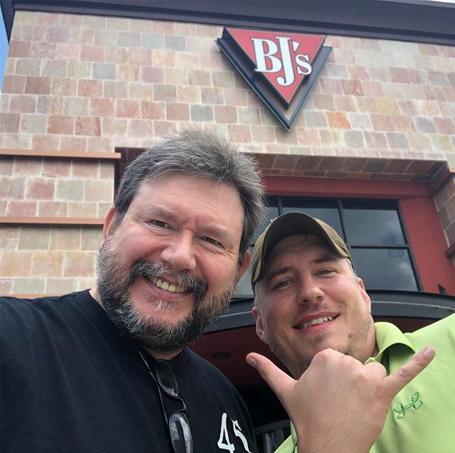 Had lunch with my new friend Eddie @dsta_tactical_houston_ today. It still shocks me in this big world how many followers live local to me. Good meeting you Brother!!! #veteran #brothersinarms #northhouston