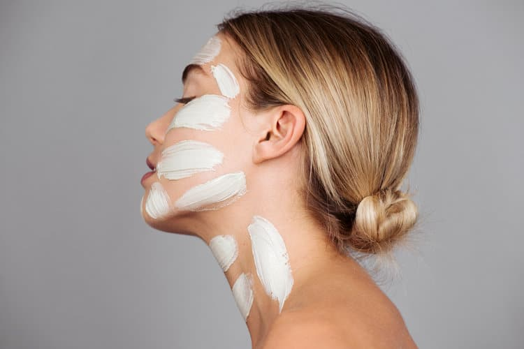Minenssey-5-Reasons-You-Should-Be-Clay-Masking-1.jpg