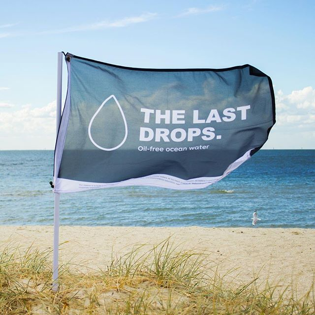 The Last Drops flag represents every single coast, from every single Country and the effort to keep them clean and free.