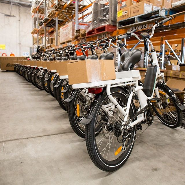 the Carico is our cargo workhorse. Deliveries all day, everyday.  #ebike #ebikes #cargoebike #fatbike #electricbike #Deliverybike #touringbike #lifestylebiking #batterypower #resturantbike #fooddelivery #oshi #sumobike #bikecourier #bikemessenger #carico