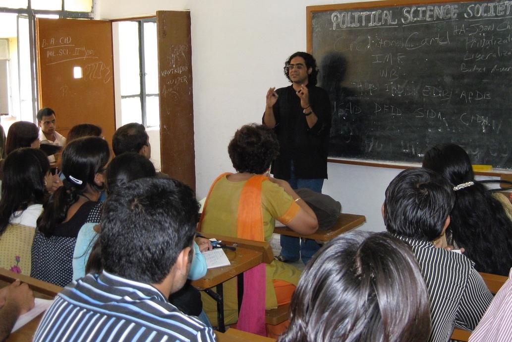 Sameer+teaching.jpg