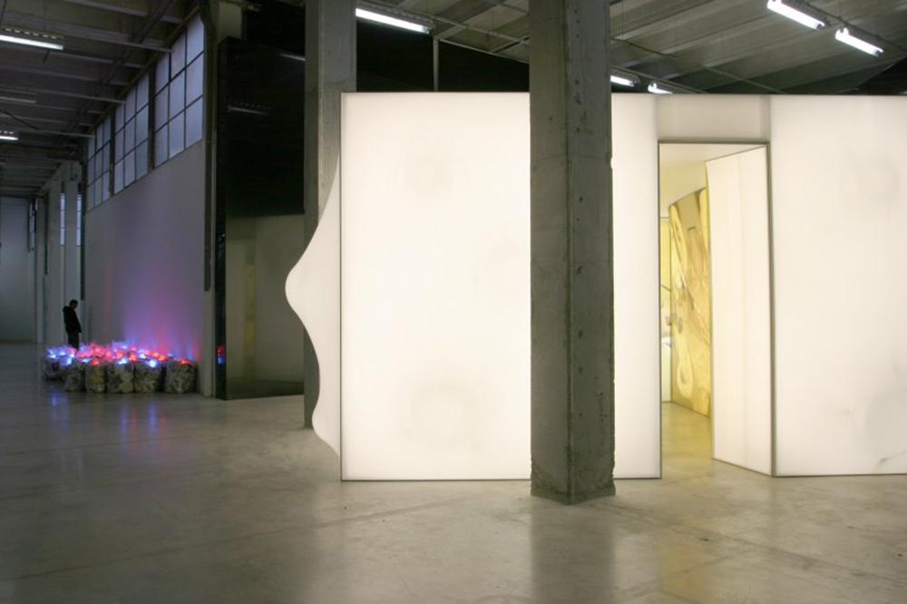 piece lumineuse installation artistique PCA ar studio d'architectures (1).jpg