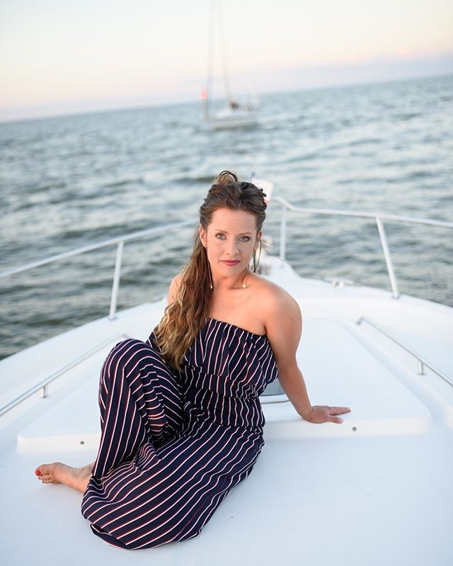 Memorial weekend vibes ✌🏻🇺🇸♥️ @caragcampbell @charmeasttexas #travel #boat #travelphotography #fashion #photography