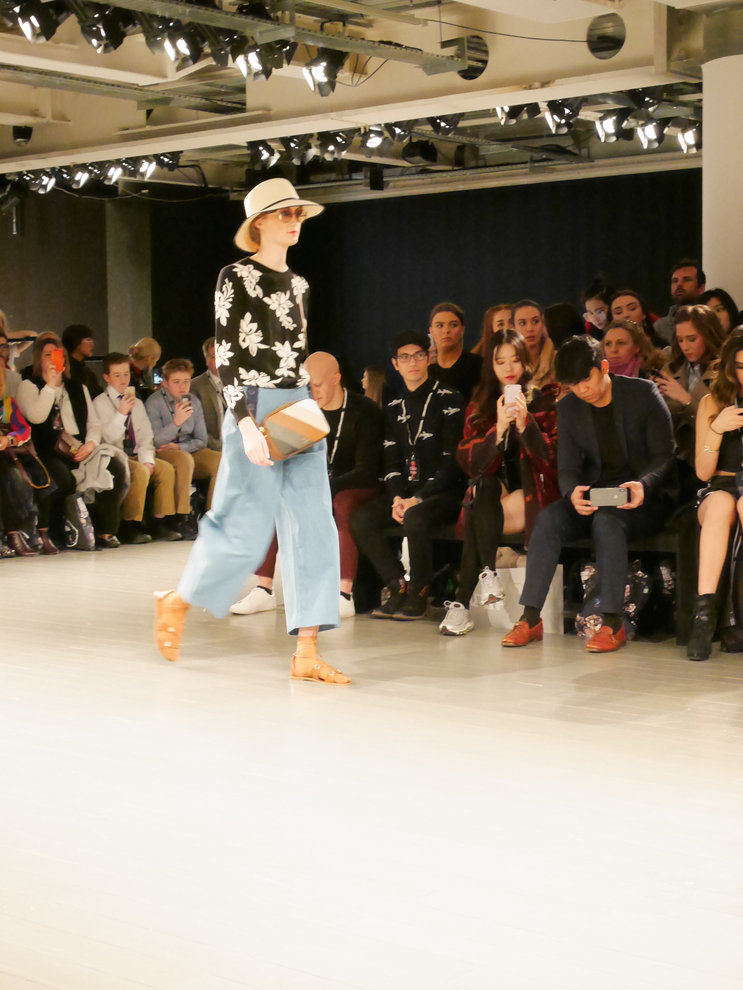 London-fashion-week-festival-elisa-les-bons-tuyaux-7.jpg
