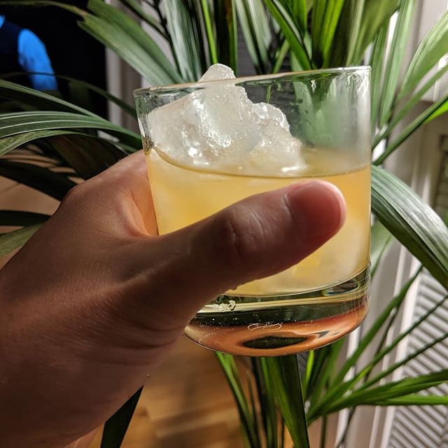 Twist on the classic Whisky Sour. The Agrodolce 🇮🇹 . 1 part Pococello 🍋 2 parts a decent whisky - Scotch, Irish, Bourbon, Rye. You take your fancy 🥃 . #lemonsgiveyoulife #limoncello🍋