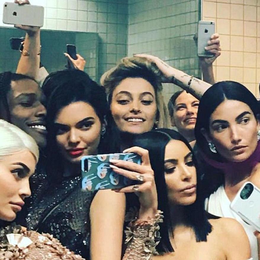 Swipe Left: Our Selfie Obsessed Social Media Culture - Episode 71