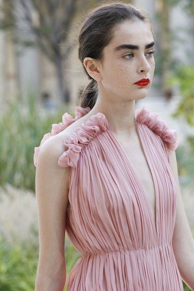 2. Ruching - This trends adds such a elegant touch to an outfit without leaving it feeling overpowered.