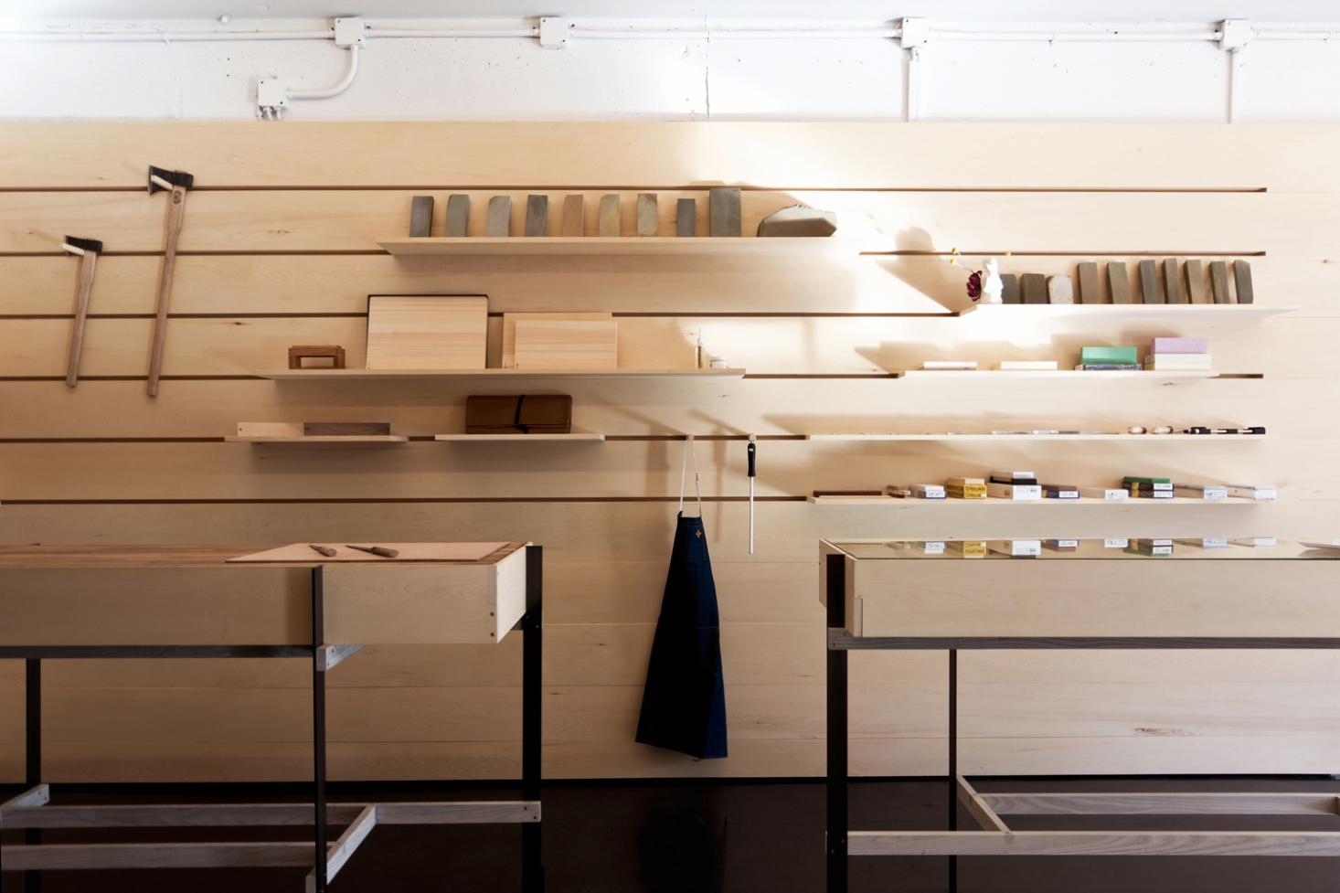 scott-scott-architects-ai-om-knives-full-wall-1466x977.jpg