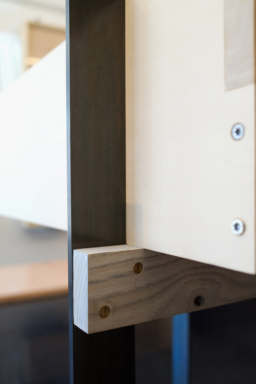 scott-scott-architects-ai-om-knives-display-case-detail.jpg