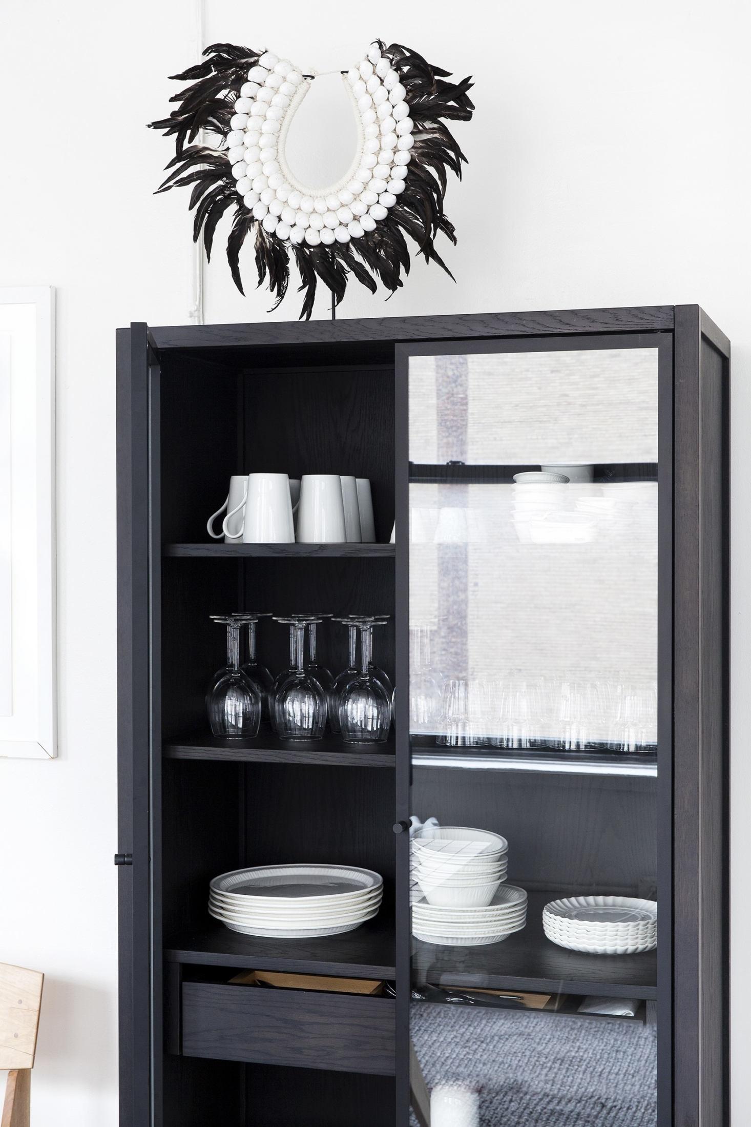 witness-apartment-coquo-kitchen-new-york-city-cabinet-1-1466x2199.jpg