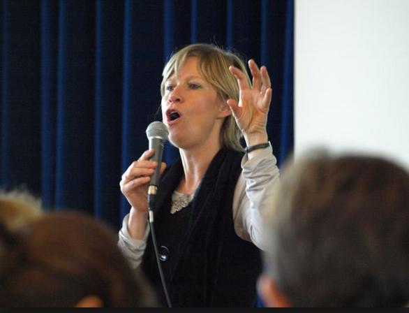 SYBILLE MERTENS - Sybille Mertens est docteur en sciences économiques de l'Université de Liège. Titulaire de la Chaire Cera en « Social Entrepreneurship », elle est chargée de cours à HEC-ULg;Spécialiste des entreprises sociales, elle dirige le vaste projet de recherche interuniversitaire (PAI 2012-2017) coordonné par le Centre d'Economie Sociale: « If not for profit, for what ? and how ? ».
