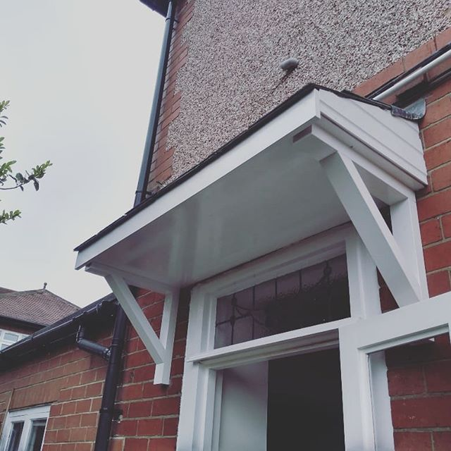 Simple timber door canopy slated and leaded.  #carpentry #joinersofinstagram #joinery #madetomeasure #canopy