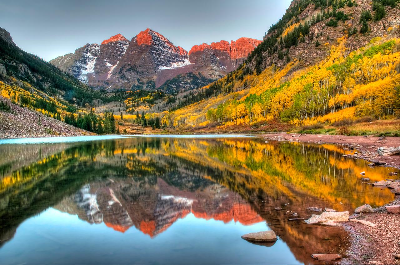 Maroon Lake reflecting the Maroon Bells, in the upper Maroon Creek valley.