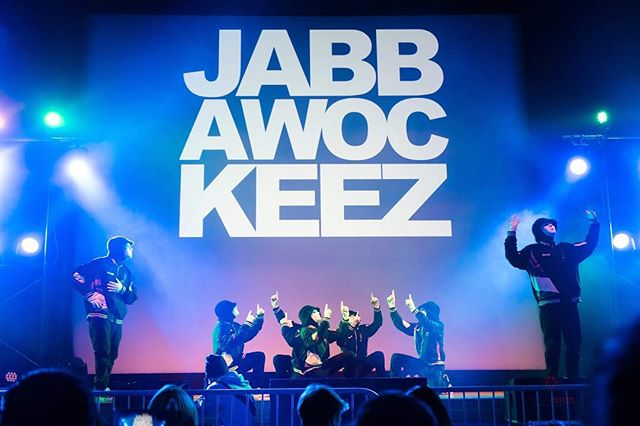 I GOT TO DANCE WITH THE @jabbawockeez !!!! They were amazing and I had such a wonderful time!! MY NEWEST VLOG is up that shows how I got to meet them AND freestyle with them!!! So be sure to check out my YouTube channel in the bio! Lastly HUGE thanks to @armedforcesent for bringing them out to Yokosuka base!! We absolutely loved them!! #japan #yokosuka #jabbawockeez #techninjaproductions #armedforcesentertainment