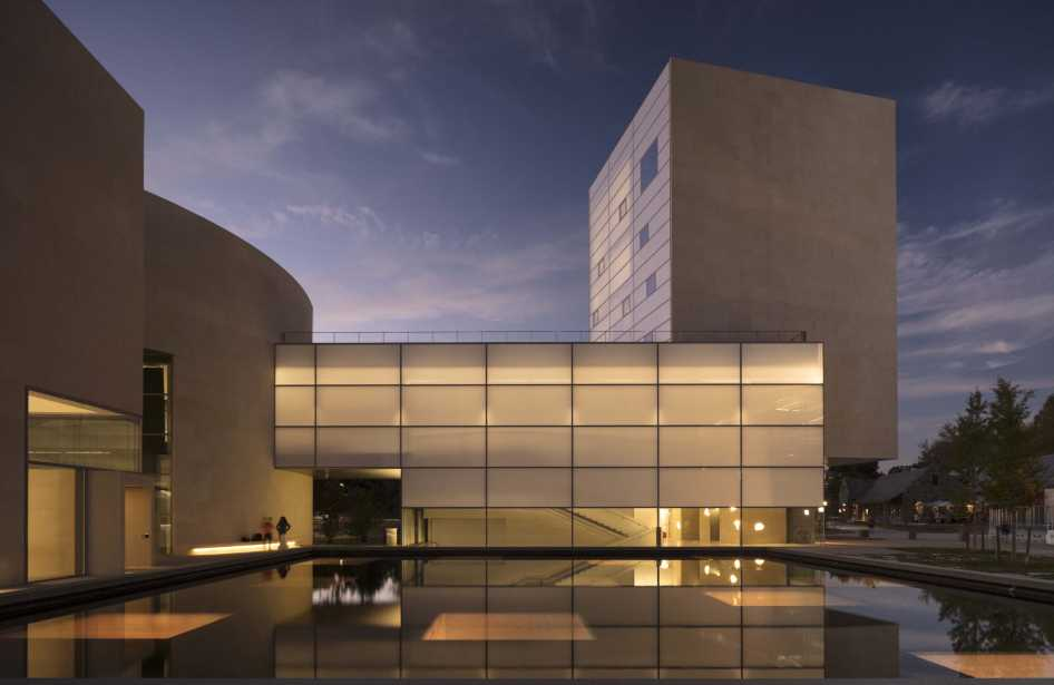'Steven Holl: Making Architecture' at The Dorsky Museum <br><br><br><br>