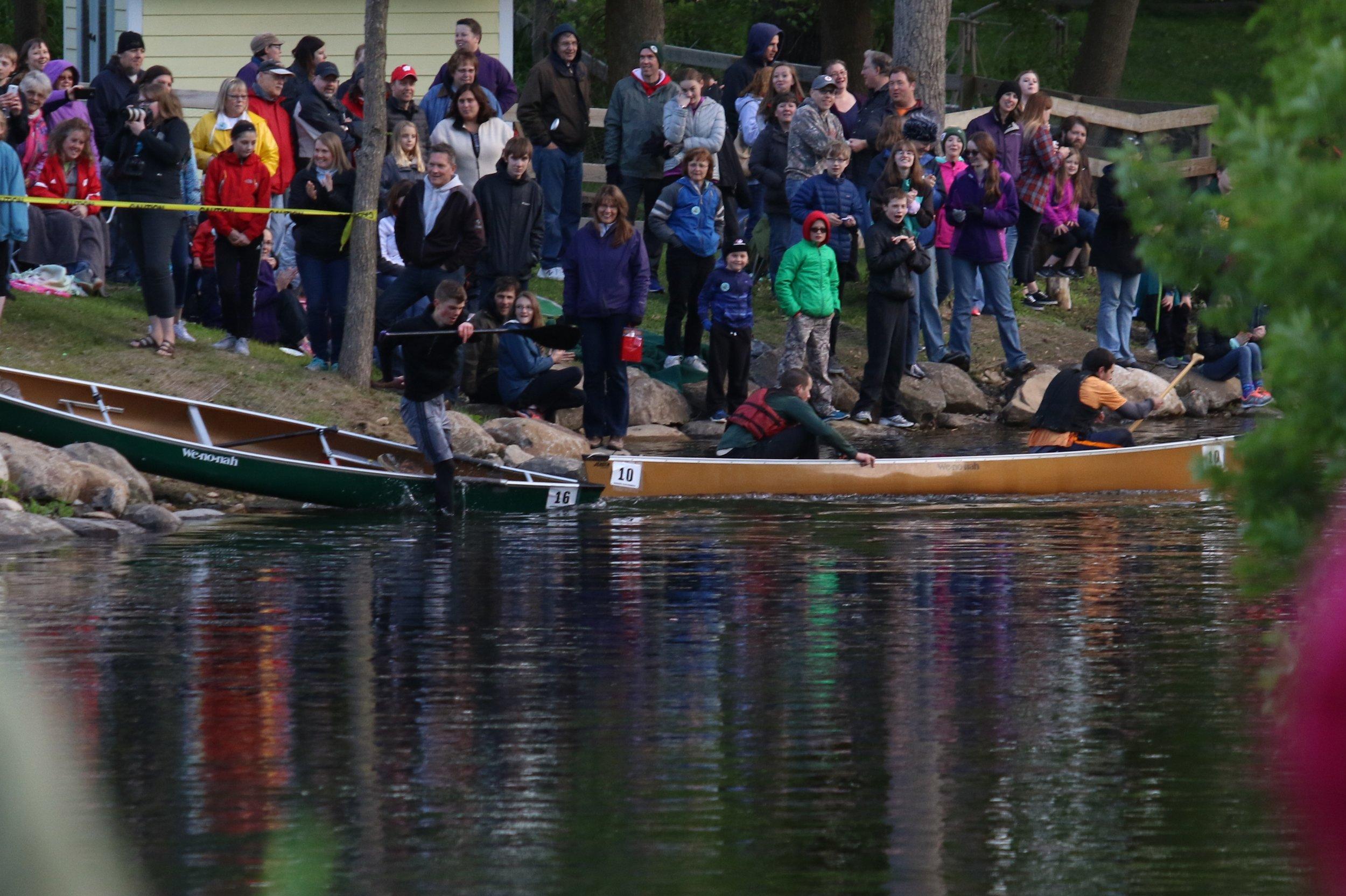 CanoeRaceCrowds 376A1664.JPG