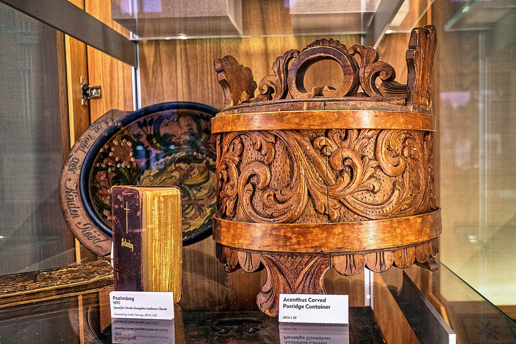 Acanthus Carved Porridge Container from Norway at Livsreise-Norwegian Heritage Center