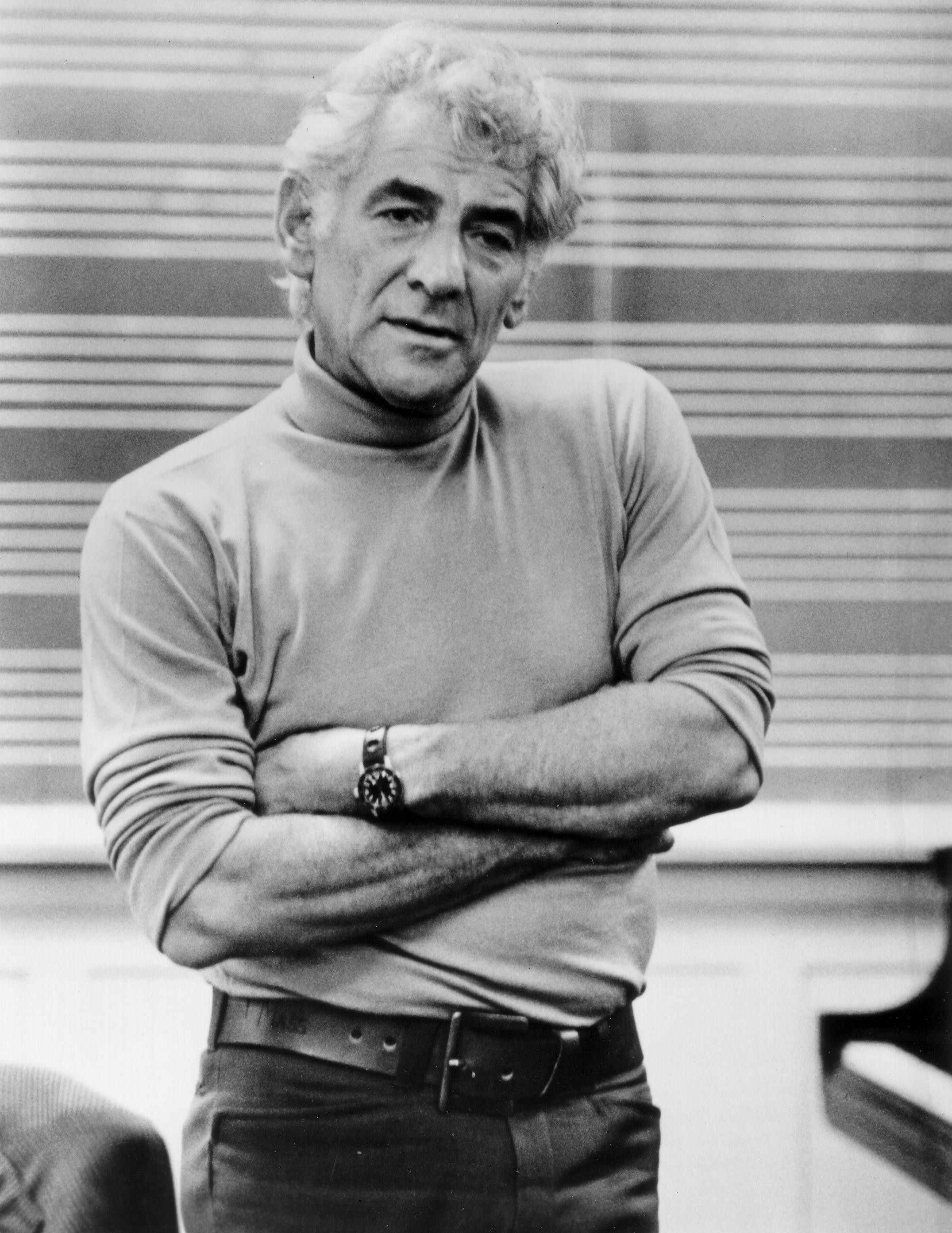 Leonard Bernstein - Photo by Paul de Hueck (click for high-res)
