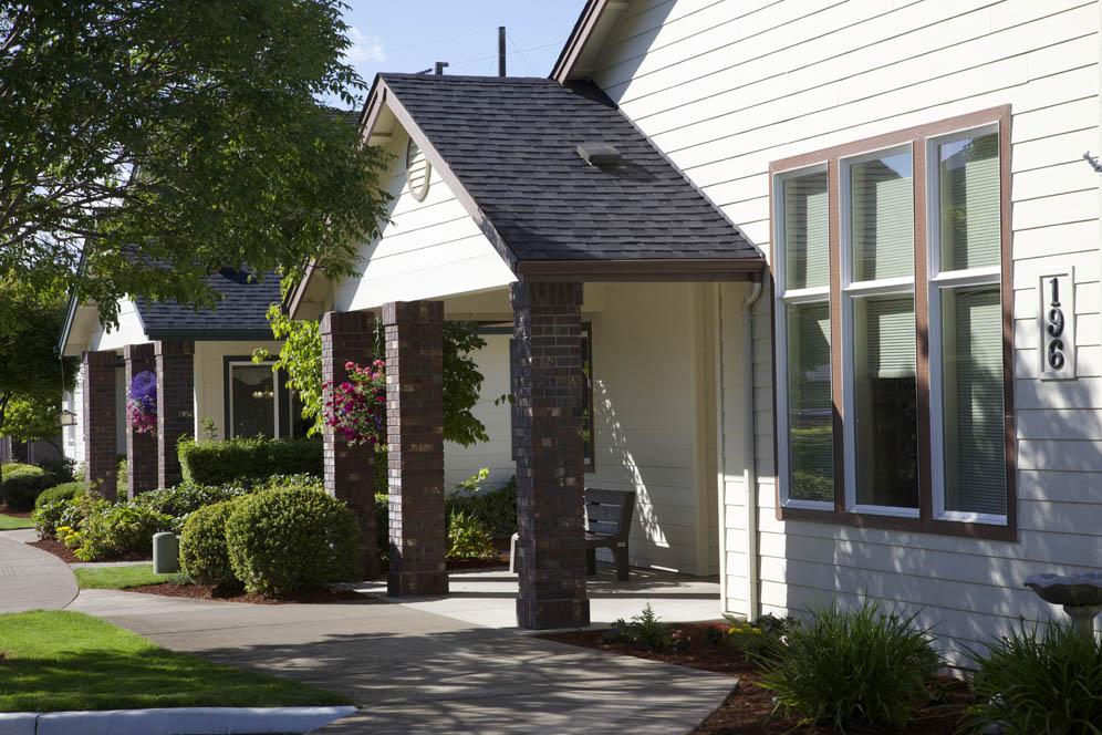 Gateway-Gardens-Residential-Memory-Care-Eugene-Oregon-02.jpg