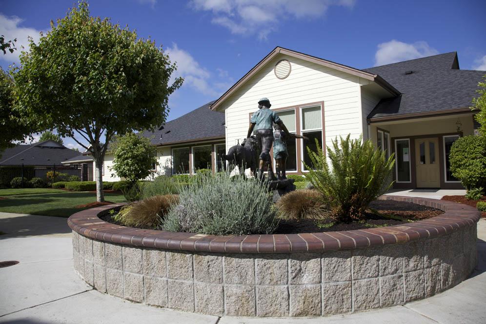 Gateway-Gardens-Residential-Memory-Care-Eugene-Oregon-05.jpg