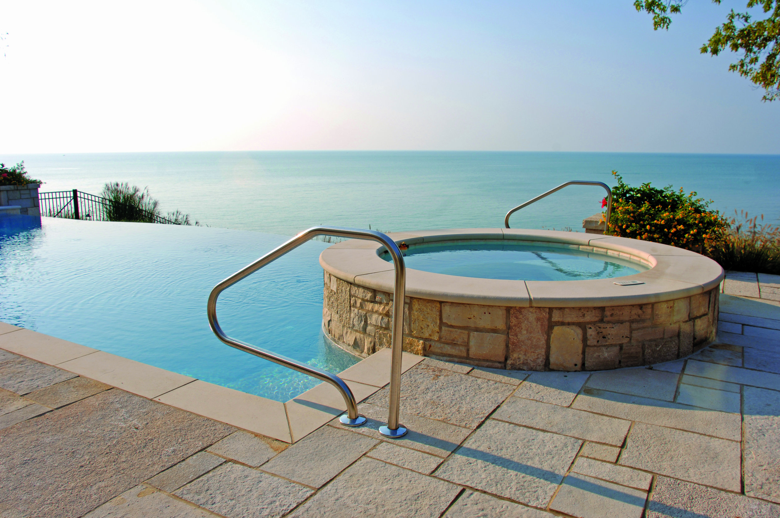 Oakfield_Country_Manor_Eden_Caps_Coping_Pavers_Valders_Pool_Coping_034.jpg