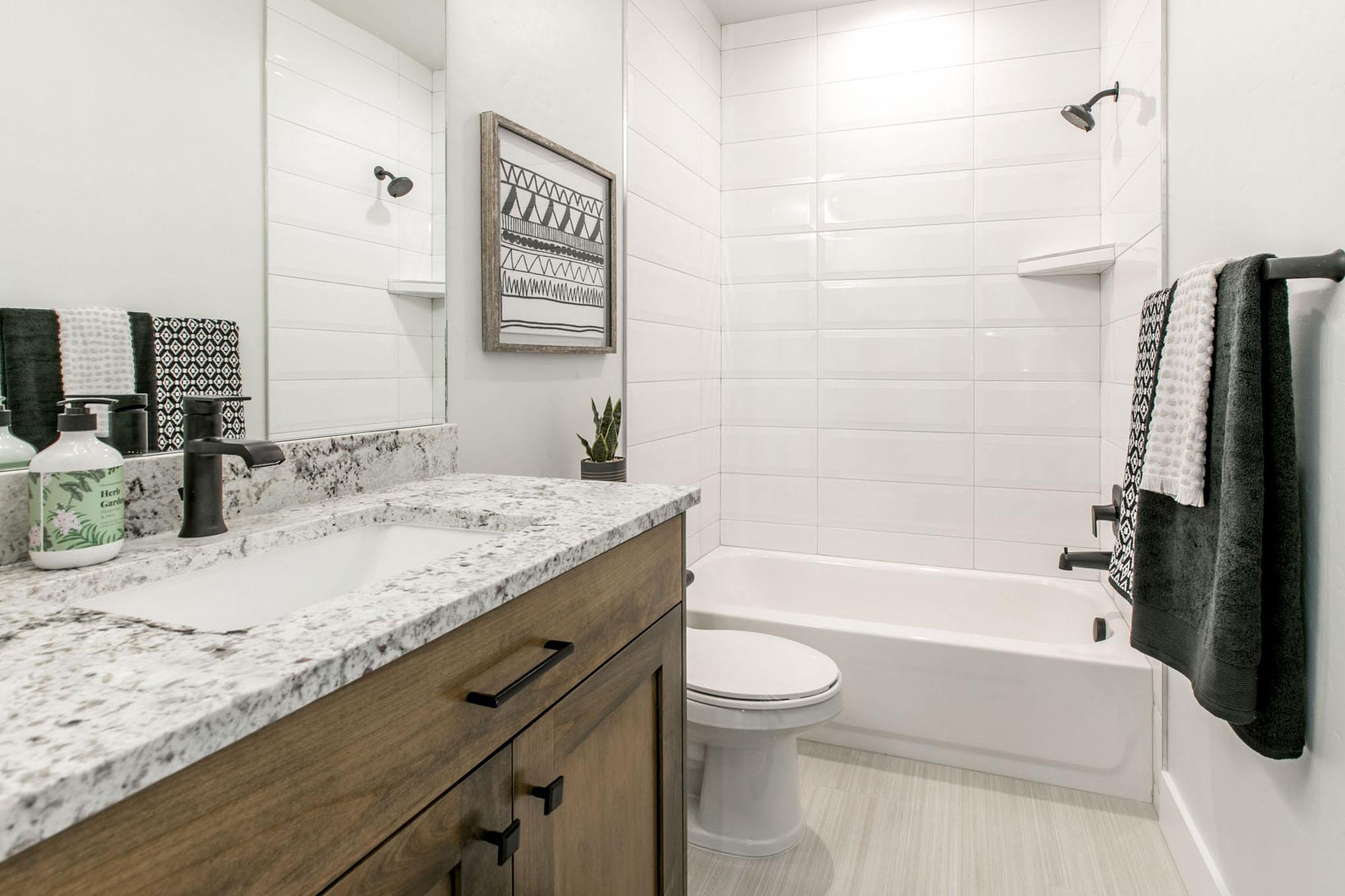 Bathroom_high_3333287.jpg