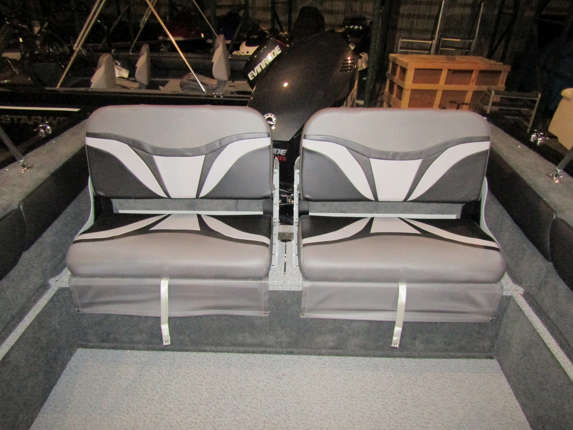 2019 Starweld 19DC FLEX Stern Seating.jpg