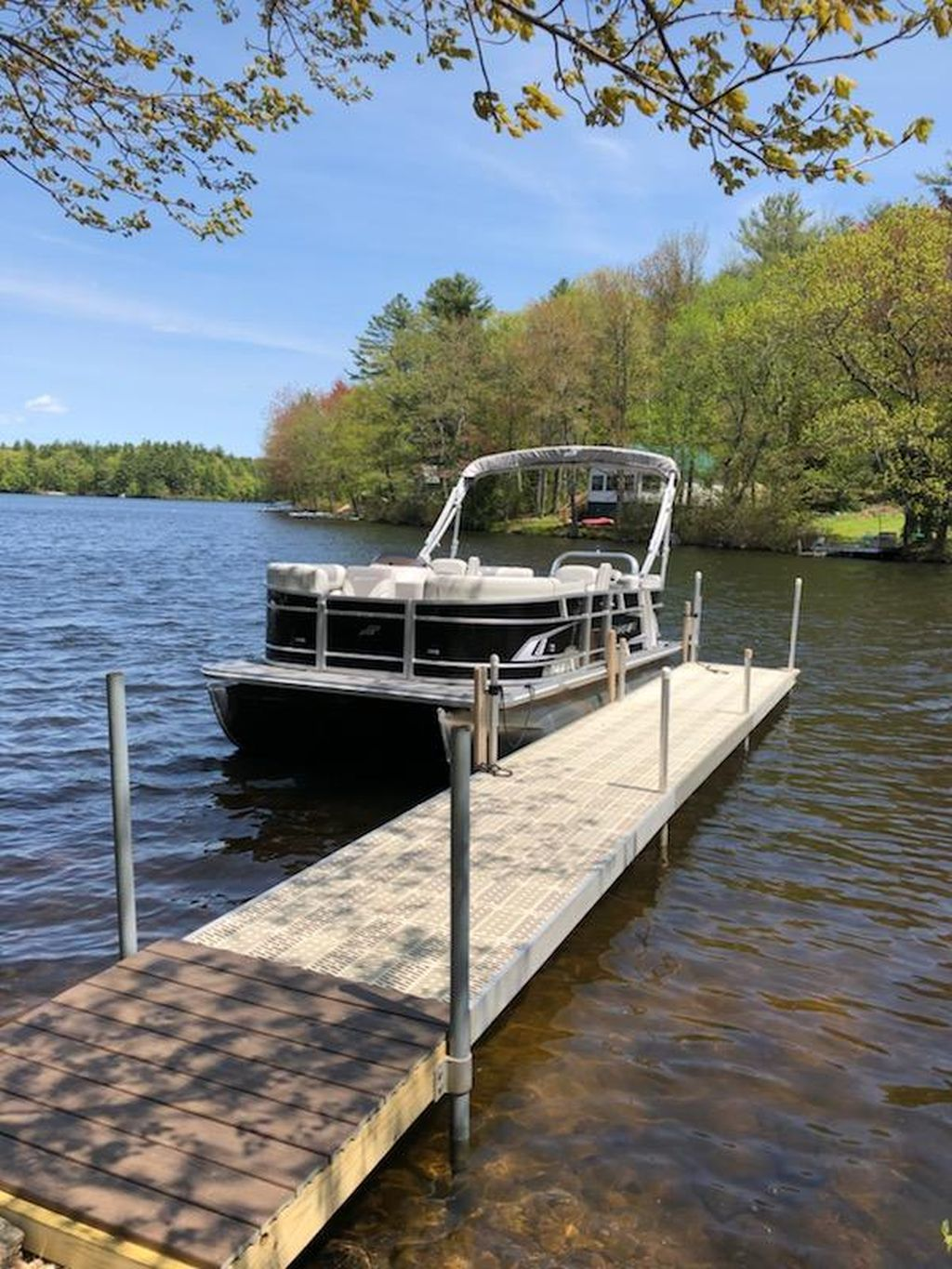 North River Lake in Northwood, NH today. It's an EX 20 R model with 90hp E-Tec. 1.jpg