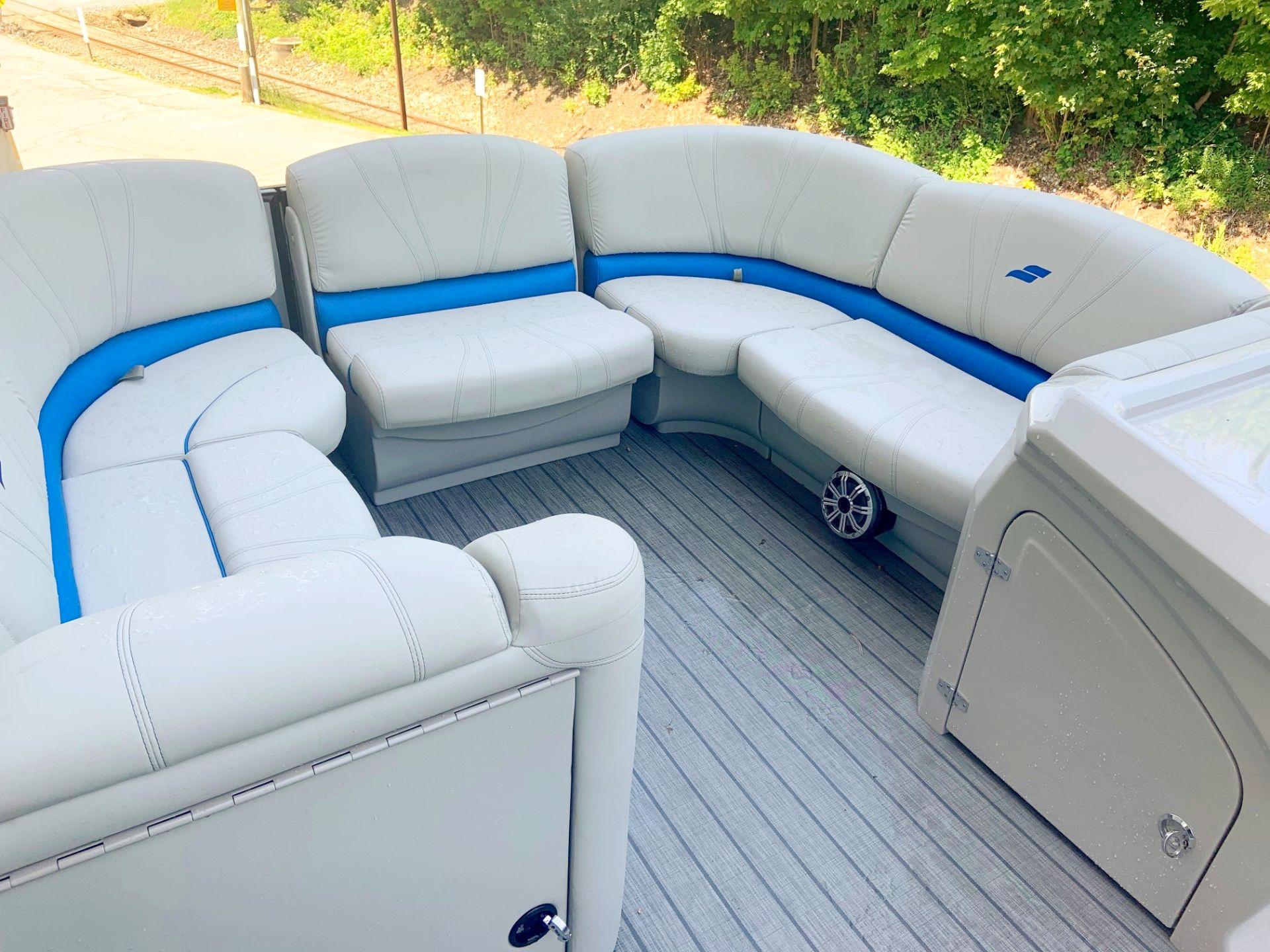 2018 SLS-5 Sport Silver w Blue Bow Seating.jpg