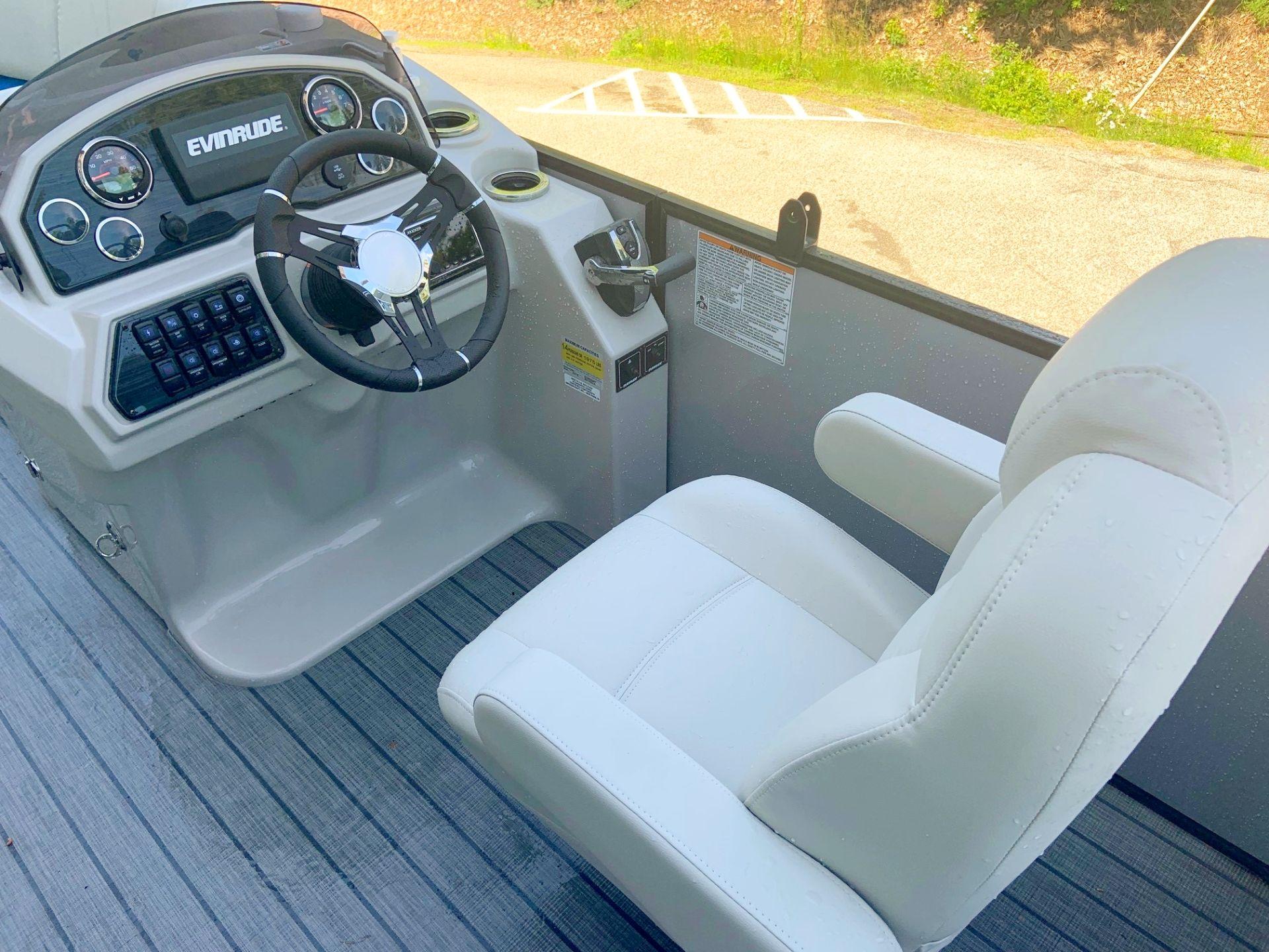 2018 SLS-5 Sport Silver w Blue Capt. Seating.jpg