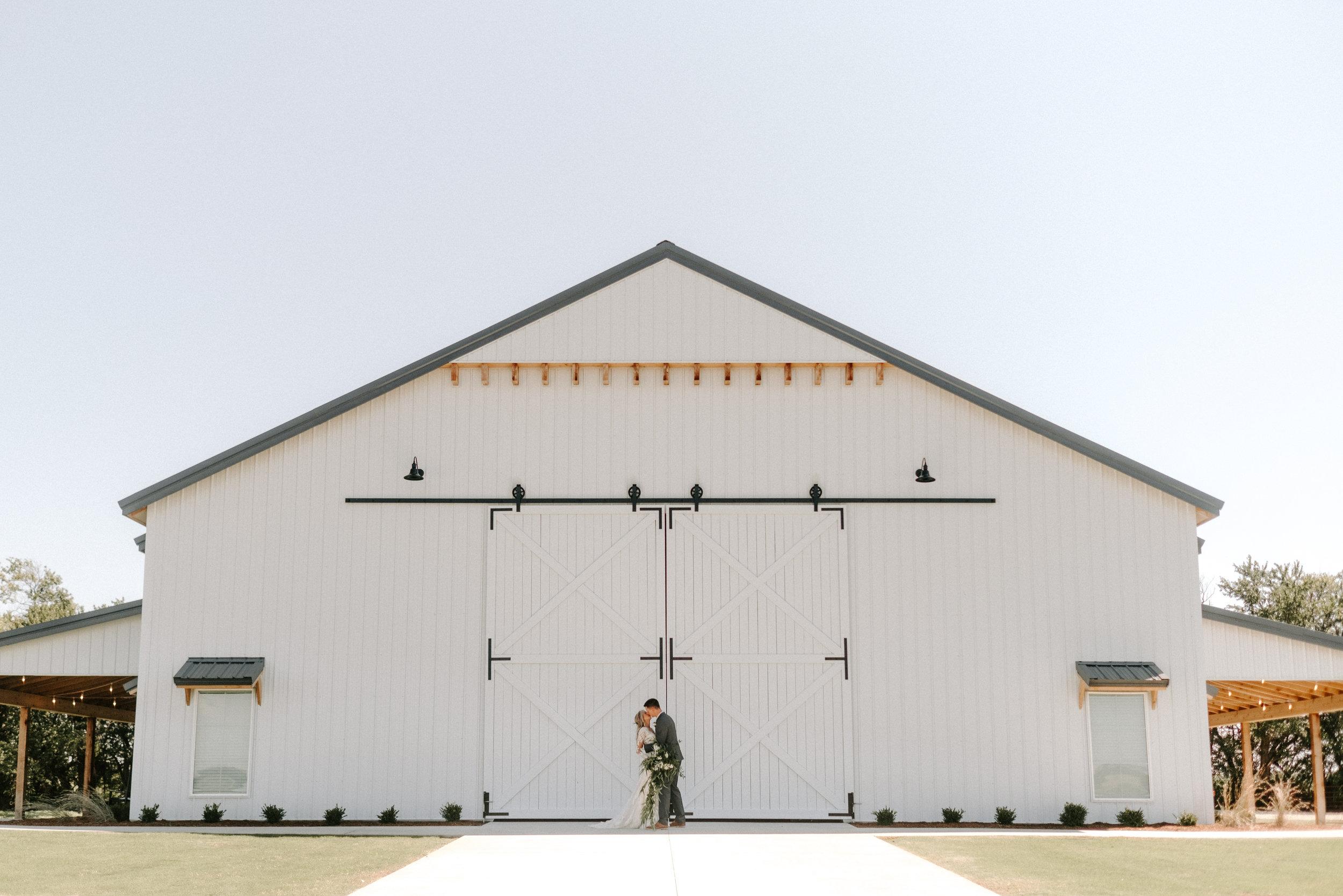 The-Barn-at-Grace-Hill-Wichita-Wedding-Venue-226.jpg