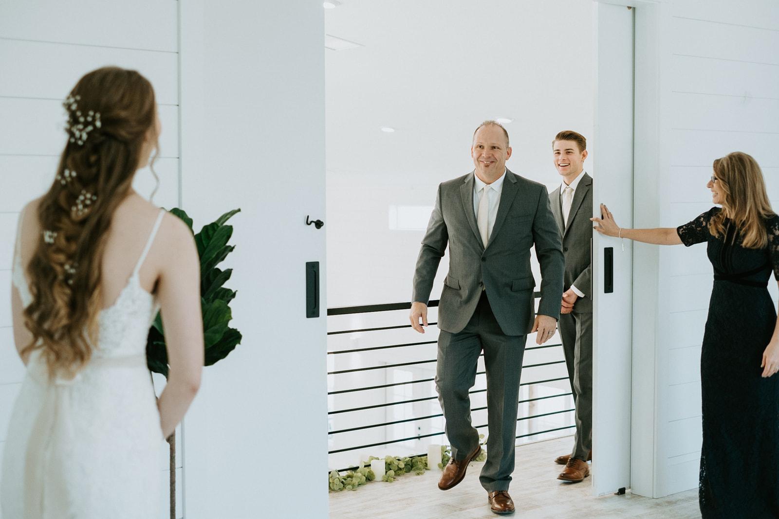 Sanburn-Wedding-Teasers-36.jpg