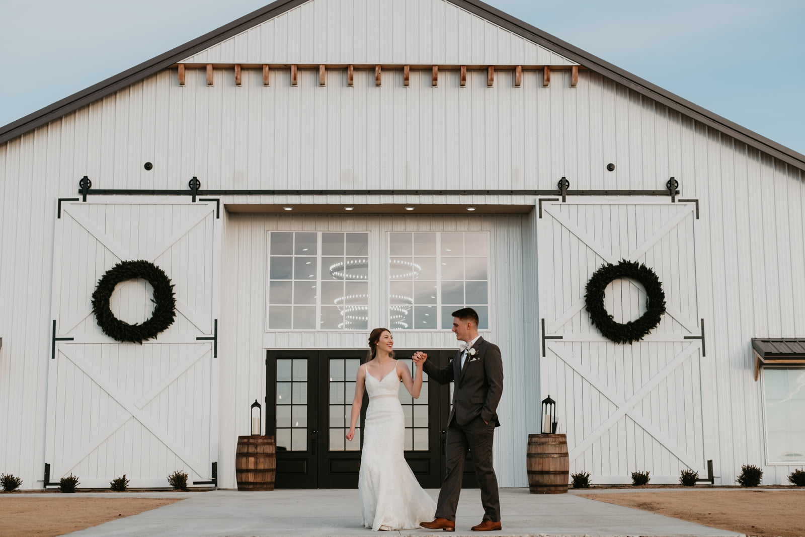 Sanburn Wichita Wedding - The Barn at Grace Hill-884.jpg