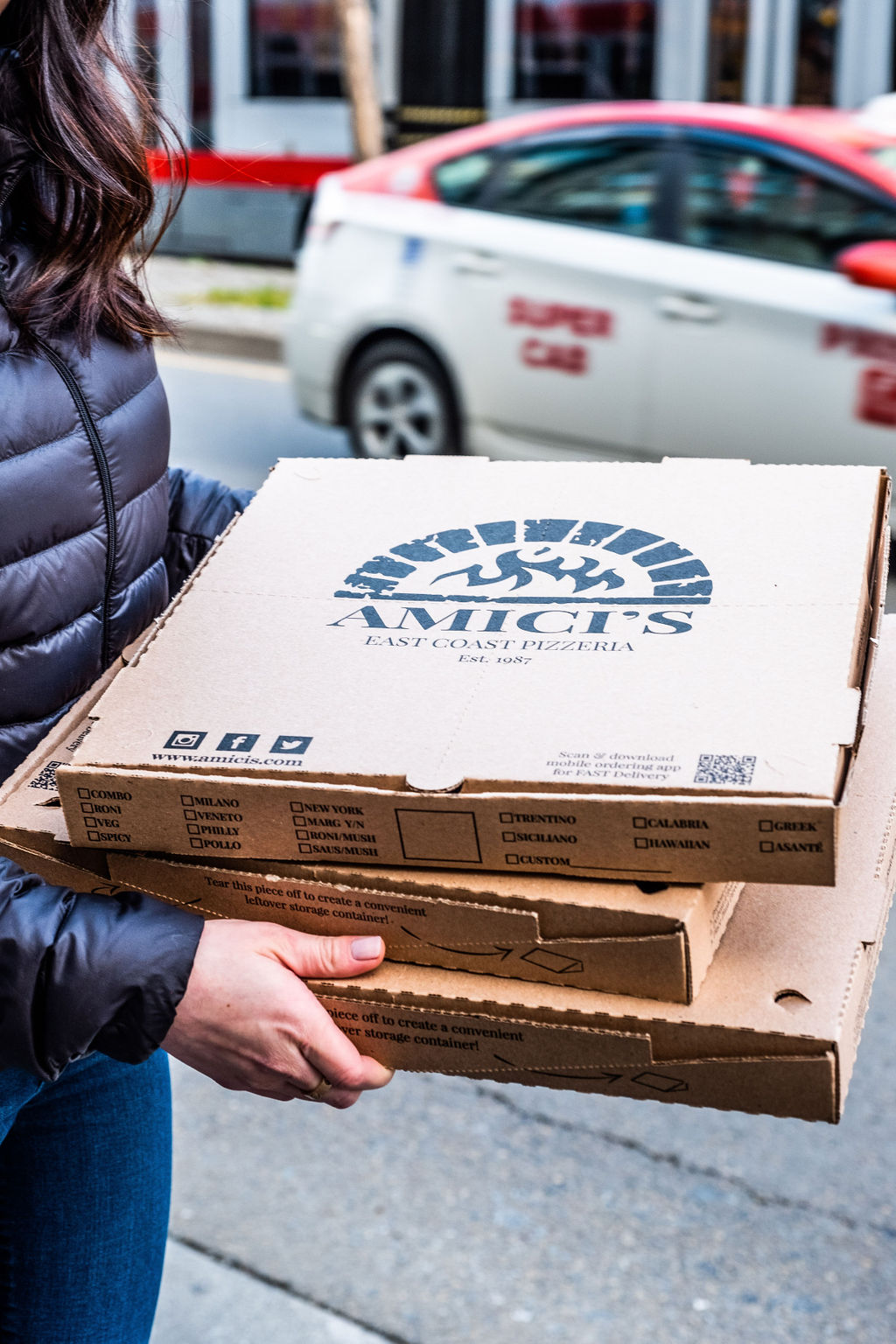 amicis-takeout-pizza-boxes-portrait.jpg