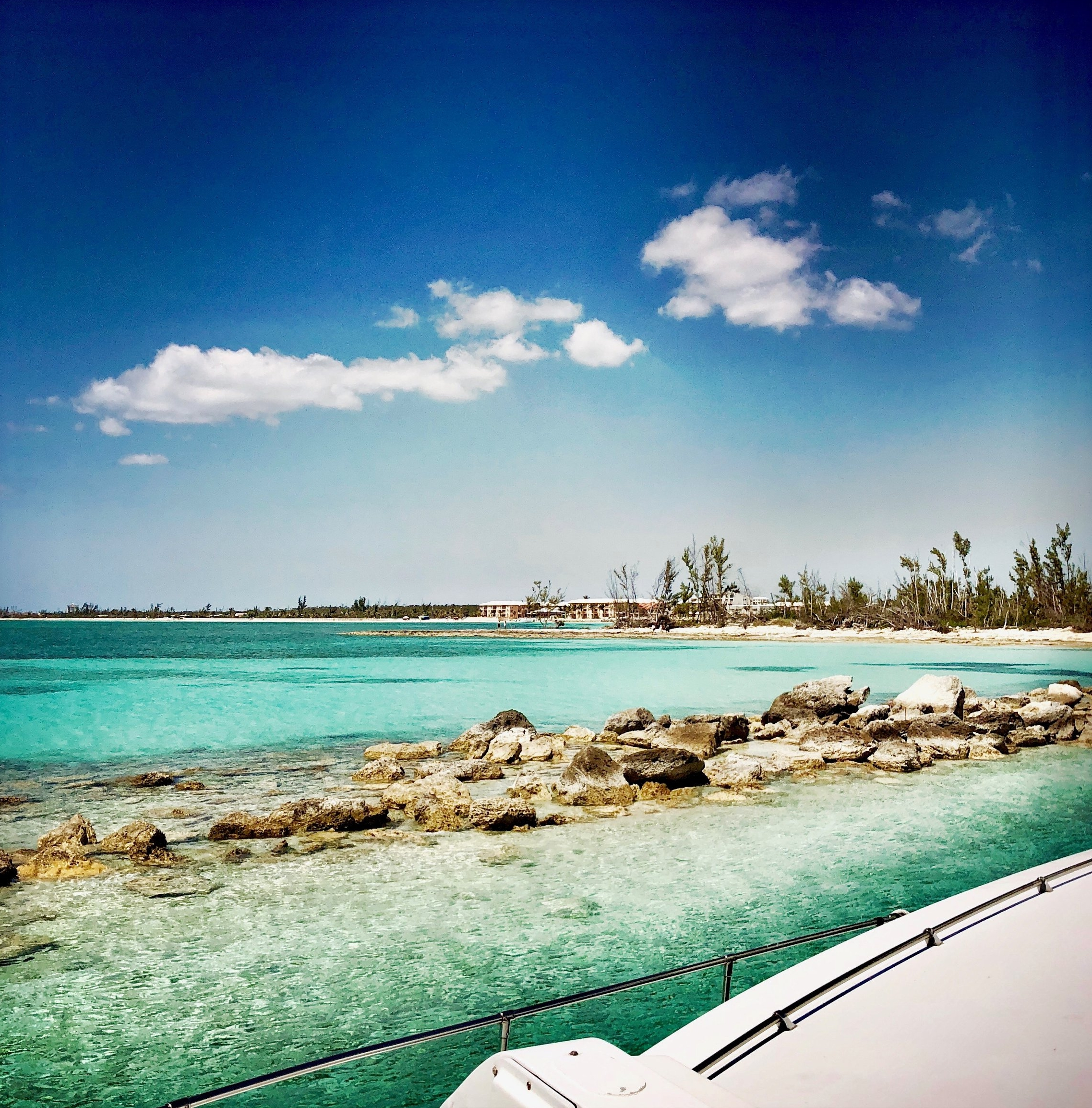 Open Air Places - Yacht SLAINTE Unique Vacation Rentals on Grand Bahama Island