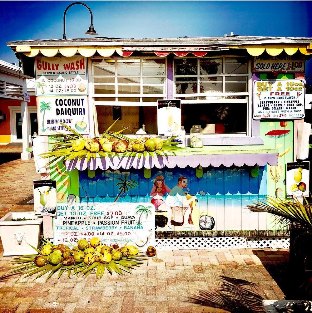 PORT LUCAYA MARKETPLACE - FREEPORT, GRAND BAHAMA ISLANDTry out your bargaining skills at the Straw Market and find handicrafts, straw goods and souvenir items! The Port Lucaya Marketplace is home to over forty specialty shops and boutiques, and sixteen restaurants.
